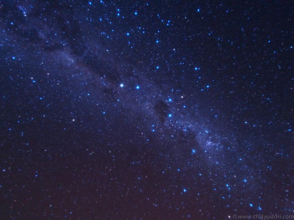 ウユニ塩湖の星空と南十字星
